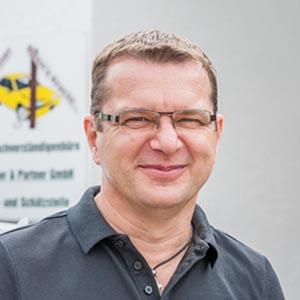 Fischer & Partner GmbH - KFZ Sachverständigenbüro - Neufahrn in Oberbayern - Person Franz Weikl